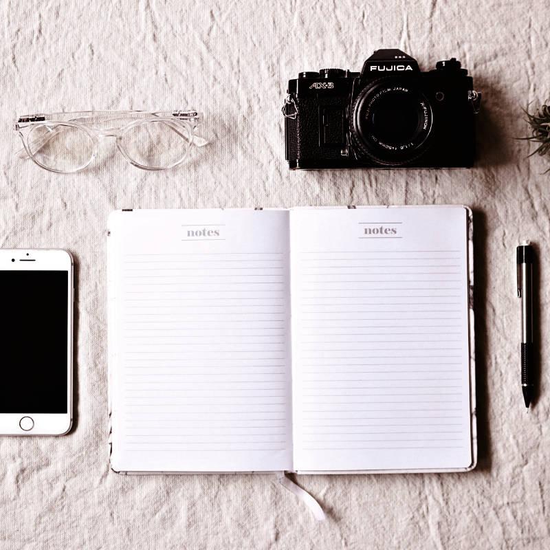 Notebook & Camera |Athony Scott